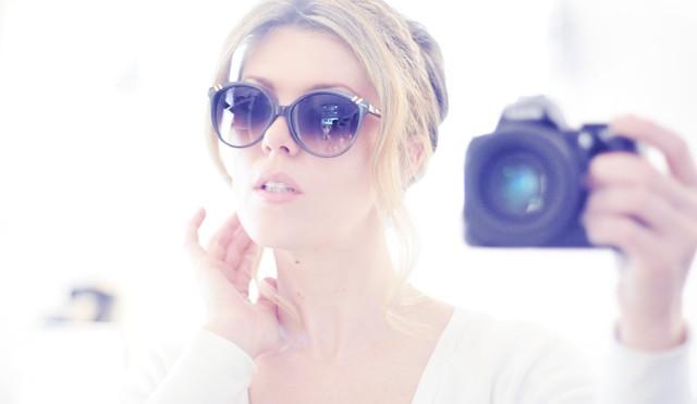 chloe sunglasses + photographing the mirror + dark shades