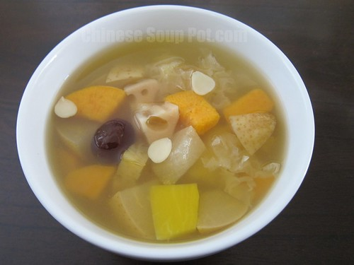 [Photo-Bowl of Snow Fungus Papaya Pear and Sweet Potato Soup]
