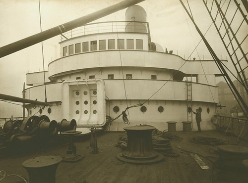 Mauretania - Bridge Front