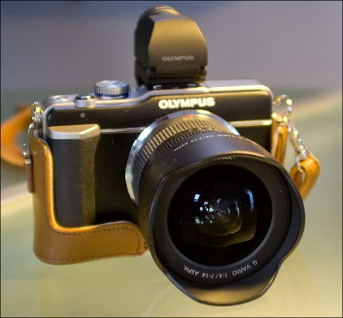Olympus E-PL1 Panasonic 7-14mm zoom