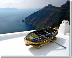 El embarcadero de los angeles.... (nanettesol) Tags: roof sea blanco boat mar barca santorini greece grecia cal tejado acantilado