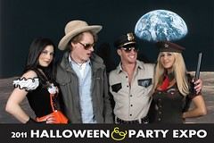 0101earth_2 (Halloween Party Expo) Tags: halloween halloweencostumes halloweenexpo greenscreenphotos halloweenpartyexpo2100 halloweenpartyexpo halloweenshowhouston