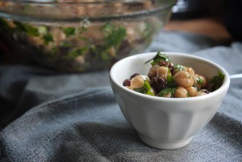 chickpea & raisin salad