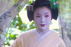 Maiko Satono (love_child_kyoto) Tags: beautiful beauty june japan japanese nikon kyoto arashiyama maiko geiko  kimono 1001nights miyagawacho hanamachi geisya   supershot   satono  1001nightsmagiccity ringexcellence dblringexcellence   maedakumiko   dreamlikephotos