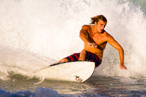 [Free Image] People, Men, Exercise / Sport, Water Sports, Surfing / Surfer, 201106181700