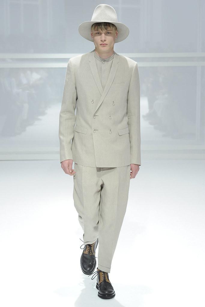 SS12 Paris Dior Homme0020_Matthew Poile(VOGUEcom)