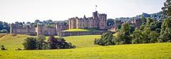 Alnwick Castle, England (Pat L.314) Tags: england newcastleupontyne greatbritain northumberland castle alnwick architecture historic outdoor stone fortress scenic