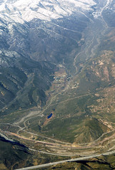 Above Cajon Pass, Lost Lake, and the San Andreas fault (cocoi_m) Tags: california snow sanandreasfault fault geology lostlake sangabrielmountains i15 geomorphology aerialphotograph sanbernardinocounty cajonpass sagpond plateboundary lonepinec