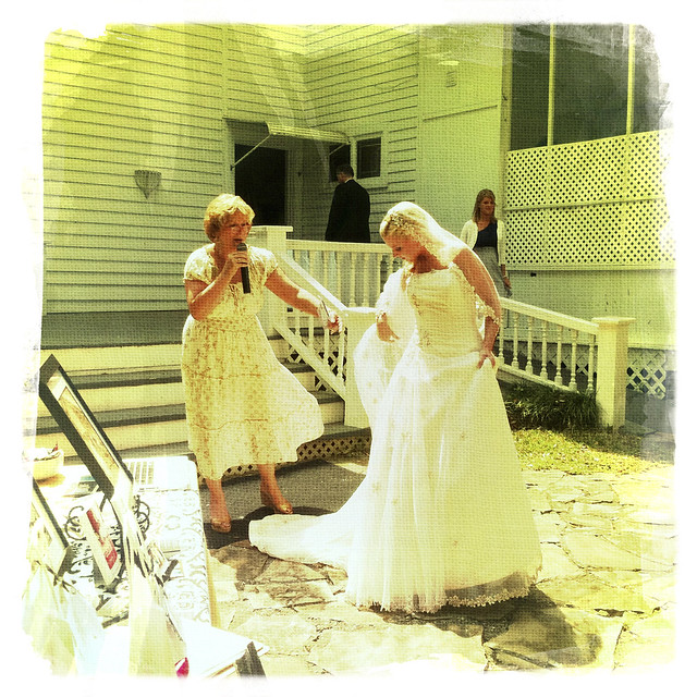 032711 Magnolia Manor Bridal Show-14