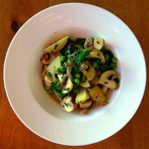 Mushrooms, peas, spinach and potatoes