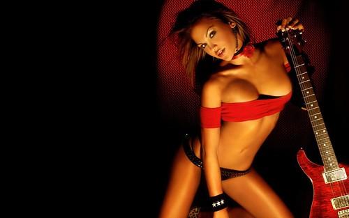 Sexy_Guitar_Girl_1280_x_960
