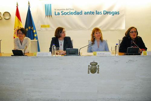 11-04-2011 LA SOCIEDAD ANTE LAS DROGAS