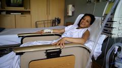 Ilusin (hmerinomx) Tags: city woman white smile hospital mexico bed mujer room sheets ill laughter sonrisa cama iv cuarto federal blancas recovery risa bandages illness habitacion distrito suero sabanas idali enfermedad recuperacion bendajes