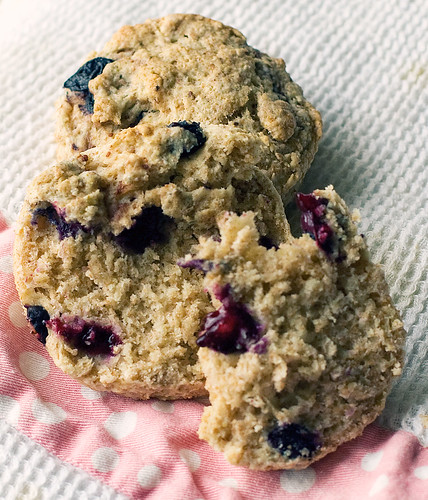 Blueberry greek yogurt scones