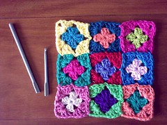 The Power of Crochet! (LauraLRF) Tags: broken colors thread square small crochet colores pillow cotton needle tiny hilo hook granny cushion almofada rota aguja algodon tejido ganchillo cuadrados almohadon cuadraditos