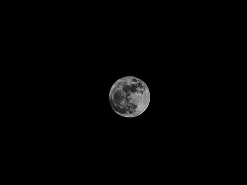 Full Moon 17 April 2011