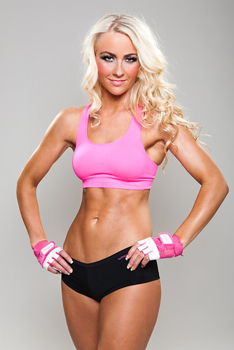 Alexandra landed in the top 10 in amateur bikini contest at Arnold Classic ...