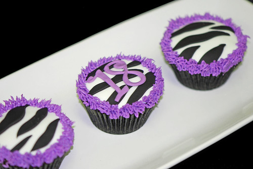 18th birthday purple zebra cupcakes