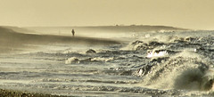Alone with the waves (mepikz) Tags: sea beach landscape waves mood sony norfolk a700
