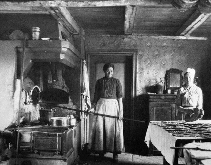El foro del pan ver tema cromos tarjetas postales y - Mesas de cocina antiguas ...
