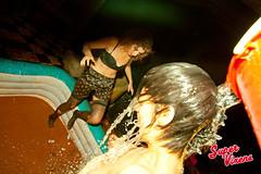 IMG_7874 (Super Vixens) Tags: barcelona sexy fiesta striptease chicas pelea tetas lucha barro supervixens culos pechos lesbianas luchaenelbarro lauraput albaplaza nancreations elviramartini