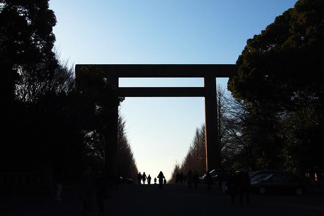 110108_145844_靖国神社