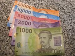 Nuevos billetes de Chile (peanno) Tags: chile money bill papel currency moneda moeda peso chileno chilean