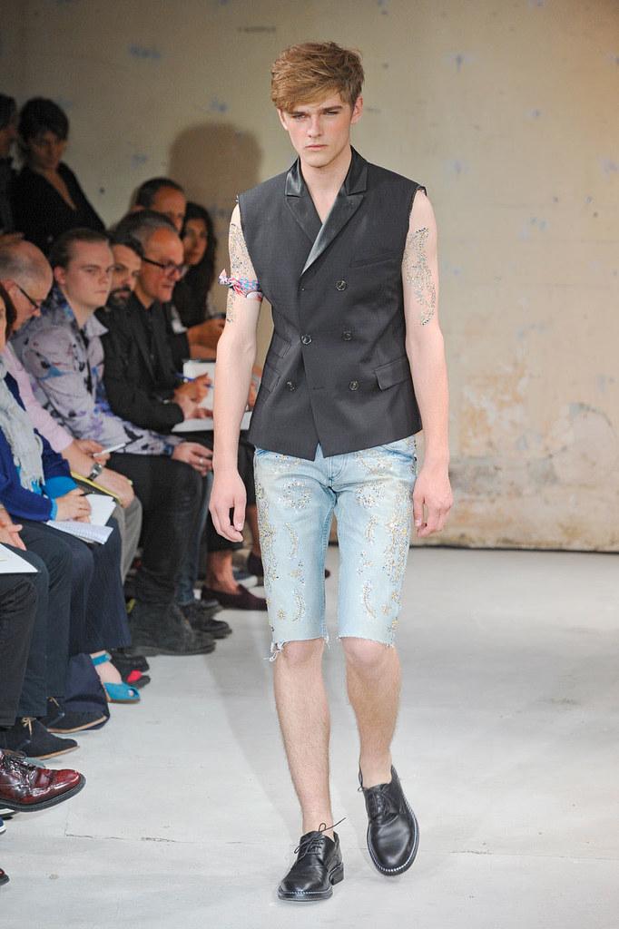 SS12 Paris Christian Lacroix019_Taras Koltun(Homme Model)