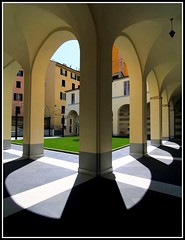 Petali di un fiore di luce (meghimeg(temporarily disconnected)) Tags: shadow sun arch ombra column sole chiostro colonne archi 2011 savona
