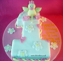 Baby Duck number 1 (MammaJammaCakes(very behind)) Tags: baby girl daisies hearts one 1 duck 1st 1stbirthdaycake flumps numbercakes girlsbirthdaycake