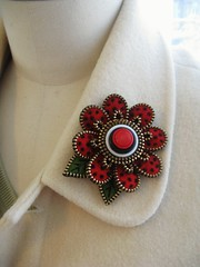 Red (woolly  fabulous) Tags: flower wool pin recycled brooch felt multicolored ecofriendly