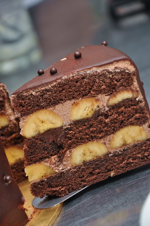 banana dark chocolate cake 1