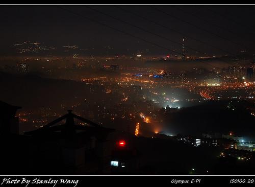 霧鎖台北城