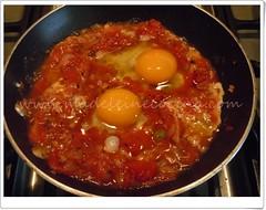 Los huevos en la salsa