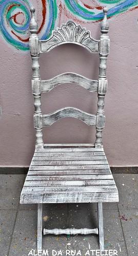 Cadeira Pintada à Mão - Pátina Envelhecida