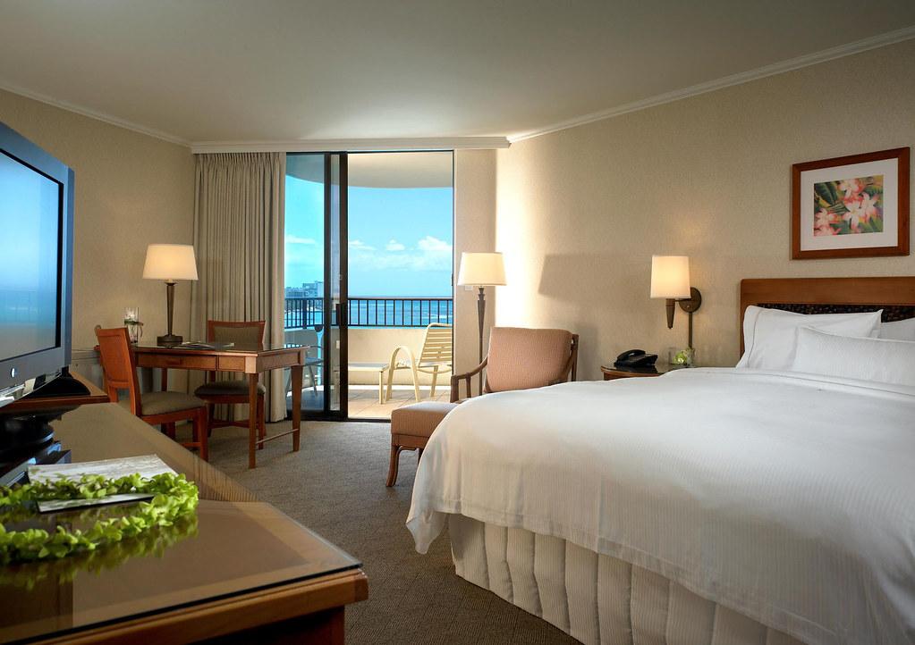 ホノルルツアーの宿泊ホテル(モアナ サーフライダー ウェスティン リゾート)