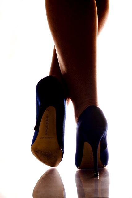 shoe legs manolo blahnik strobist
