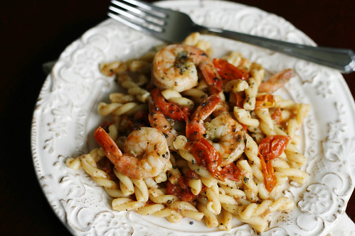 Shrimp, Basil and Tomato Pasta with Manchego