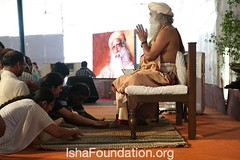 Sadhguru-Inner-Engineering-Mysore-18April-10 (Isha Foundation) Tags: india yoga meditation enlightenment mysore innerpeace wellbeing ishayoga spiritualpractice ishafoundation sadhgurujaggivasudev innerengineering guidedmeditation ishafoundaitonorg
