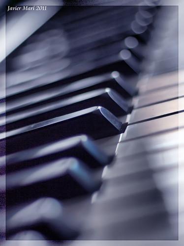 Mi piano by Javier Marí- avionseivissa
