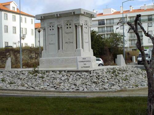 Monumento da CGG em Castelo Branco - 1914-1918, Foto do monumento aos Combatentes da Grande Guerra, em 2007, Castelo Branco, quando da sua transposi��o para a rotunda na urbaniza��o da Quinta Nova.