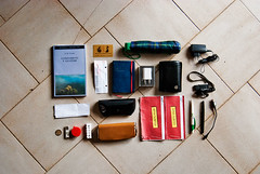 what's in your bag? (23 aprile 2011) (juri_kid_a) Tags: italy money sunglasses book italia ipod lego wallet libro whatsinyourbag pens eyeglasses whatsinmybag lombardia earplugs penne envelopes buste occhiali moneta portafogli cesanomaderno usbkeys