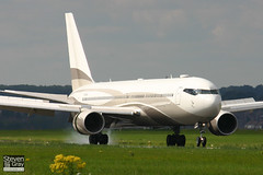 P4-MES - 33425 - Roman Abramovich - Boeing 767-33AER - 060907 - Luton - Steven Gray - IMG_6645