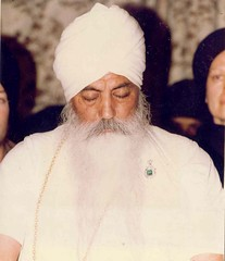 "Yogi Bhajan • <a style=""font-size:0.8em;"" href=""http://www.flickr.com/photos/59177638@N04/5675481280/"" target=""_blank"">View on Flickr</a>"