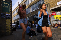 al volo [Pointers] (Chris JL) Tags: uk sun color london photo cosmopolitan women candid shoreditch arrows denim cocktails pointing bricklane spitalfields pointers e2c britishflag alvolo roughtrade corbetplace interxion radioslave elysyard nikkor2470mmf28g nikond3s chrisjl