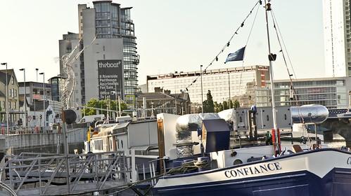 Belfast - Three Landmarks: The Boat, Thanksgiving, Confinance