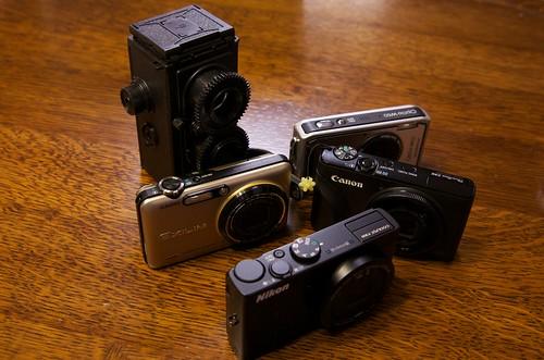 カメラが増殖中