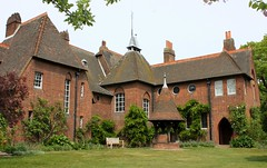 William Morris' Red House: Bexleyheath (curry15) Tags: architecture kent redhouse well nationaltrust 1889 williammorris victorianarchitecture redbrick upton bexleyheath gertrudejekyll artscrafts philipwebb edwardburnejones gradeilisted da6 redhouselane