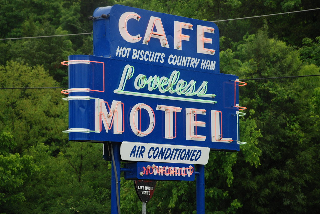 Loveless Cafe sign in Nashville, Tennesee