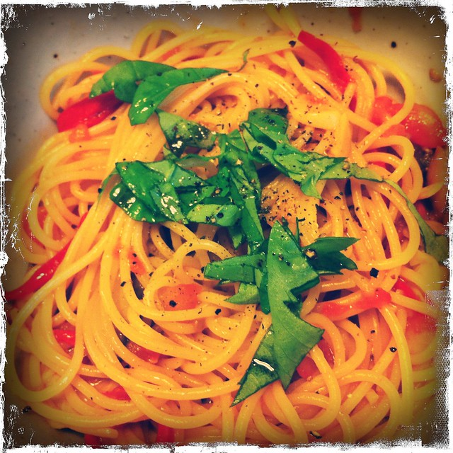 Basil and Tomato Spaghetti